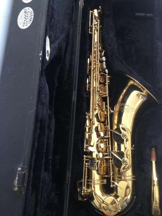 saxo tenor Conn Director 37m