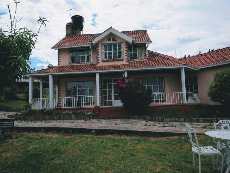 Casa de <strong>campo</strong> en Paipa al lado al lago Sochagota