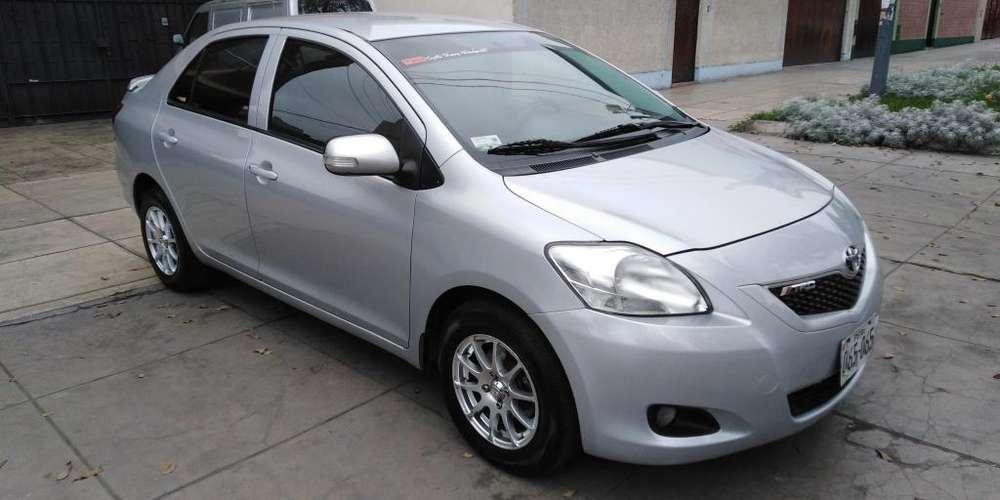 Toyota Yaris 2012 - 110000 km