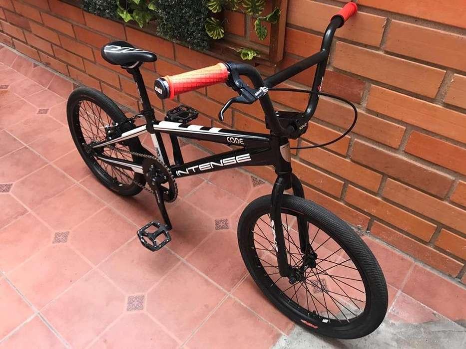 <strong>bicicleta</strong> DE BMX - INTENSE CODE PRO