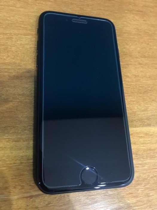 iPhone 7 de 256 gb (negro) con mica y cargador