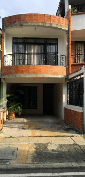 Casa En Venta En Cali Calicanto Cod. VBINH-759
