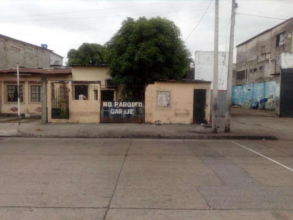 Vendo Propiedad de Oportunidad en las calles 15 E/ San Martín y Argentina
