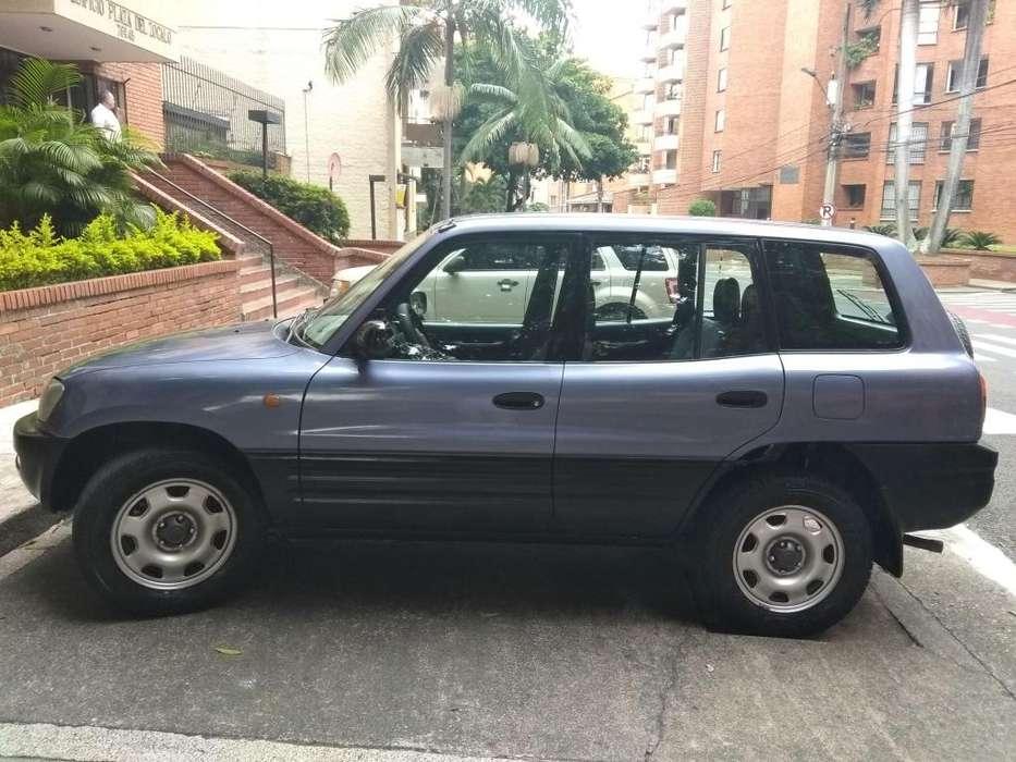 Toyota RAV4 1998 - 210600 km
