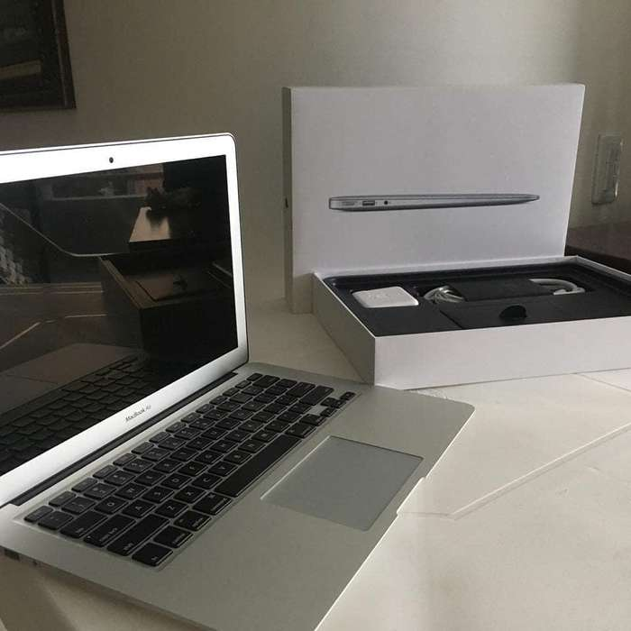 MacBook Air 2015 i5 4GB Ram 128GB SSD estado 9/10