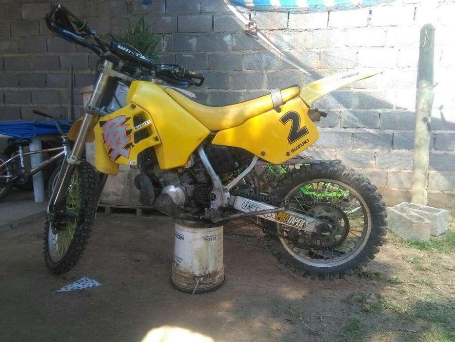 Vendo <strong>suzuki</strong> Rmx 250