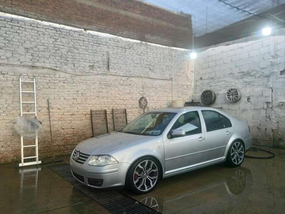 Volkswagen Bora 2010 - 180000 km