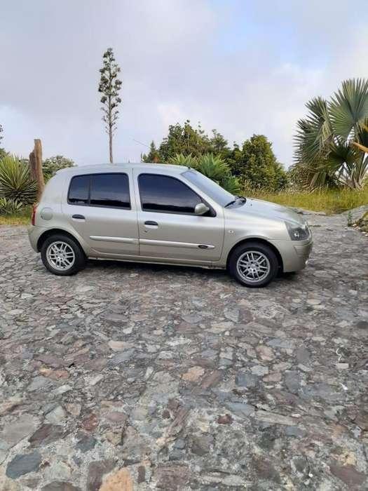Renault Clio  2008 - 96600 km