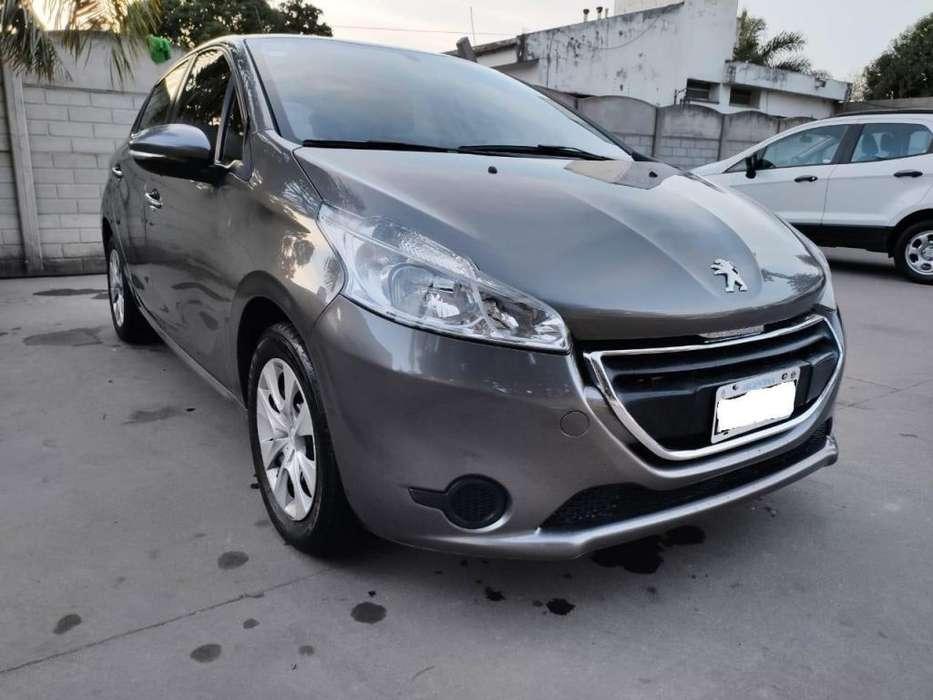 Peugeot 208 2013 - 80000 km