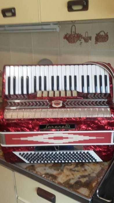 Piano - Argentina P-5