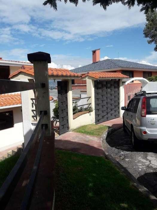 Casa en Venta cerca al Club de los Chillos