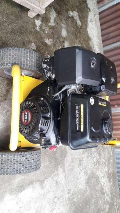 Maquina de presin agua a gasolina