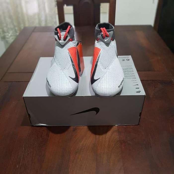 Vendo Botines Nike Phantom Vsn Nuevos