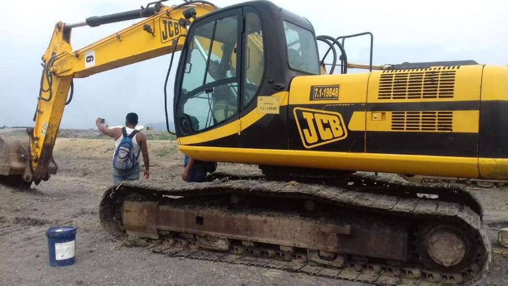 Excavadora JCB JS200 año 2008