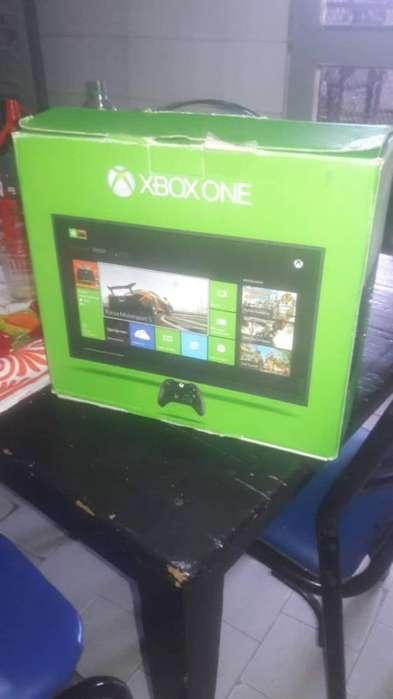Xbox One 500gb 2 Joystick 8 Juegos