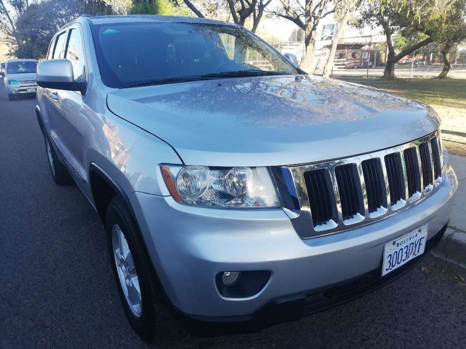 JEEP GRAND CHEROKEE 2011 - 65800 km