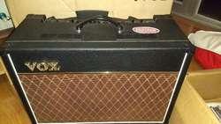 Amplificador Valvular Vox Ac15c1
