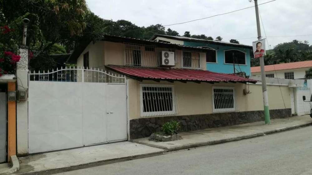 Vendo Casa220m2,con Galpón 200m2