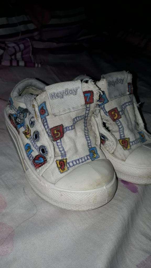 Vendo Zapatillas Num 23