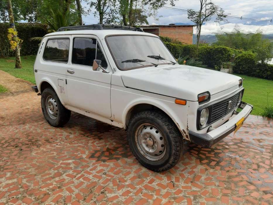 <strong>lada</strong> 2121 1994 - 190000 km
