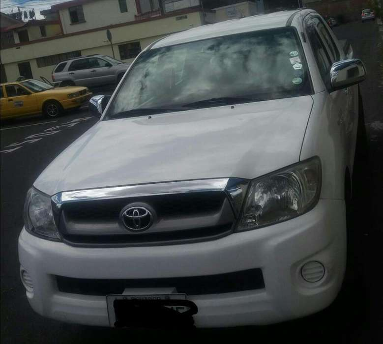 Toyota Hilux 2011 - 135000 km