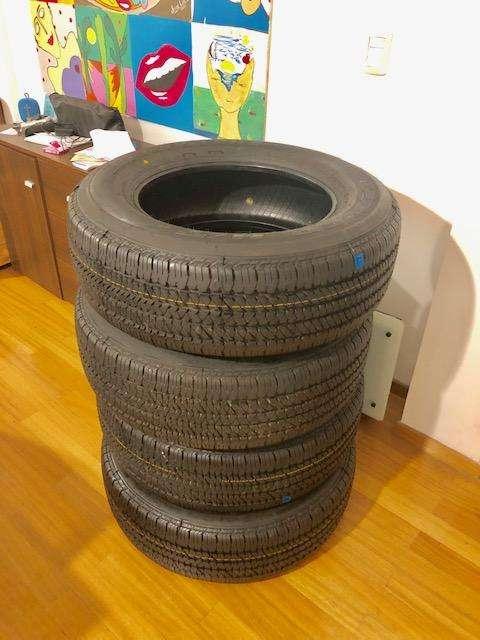 Cubiertas Bridgestone 265 65 17 Dueler HT NUEVAS SIN RODAR para toyota HILUX, RANGER, AMAROK, FRONTIER, ETC