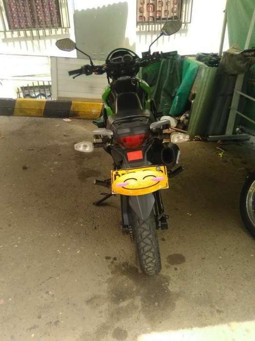 Moto Akt 125 Modelo 2015 Solo Matricula