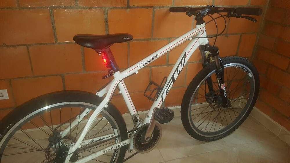 Bicicleta Acelot Gw