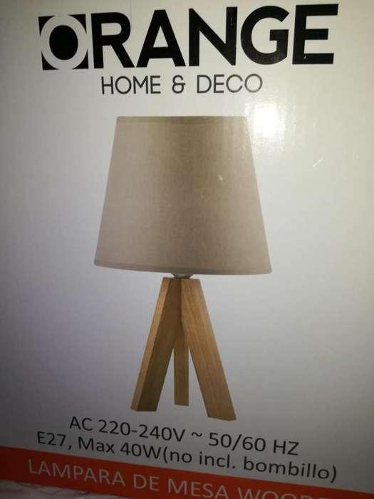 Lámpara de mesa wooden