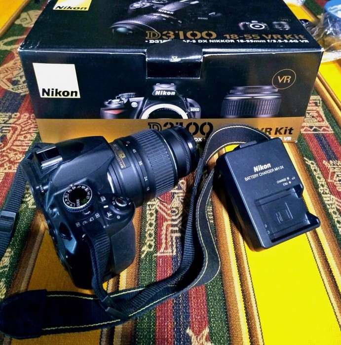 Camara Nikon DLSR D3100