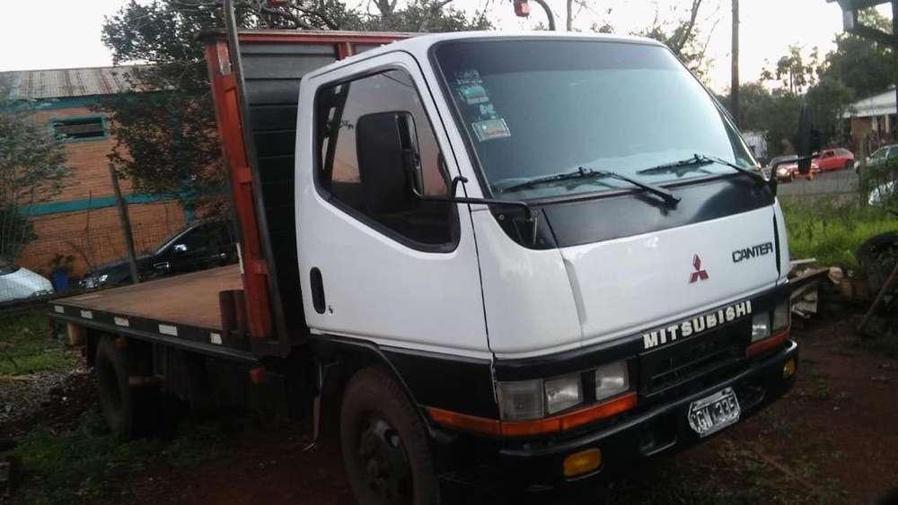 Vendo Camion Mitsubishi canter