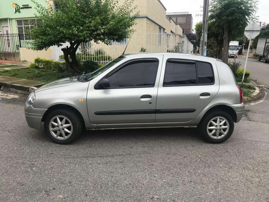 Renault Clio  2002 - 127000 km