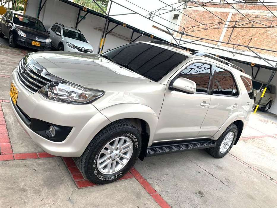 Toyota Fortuner 2014 - 62000 km