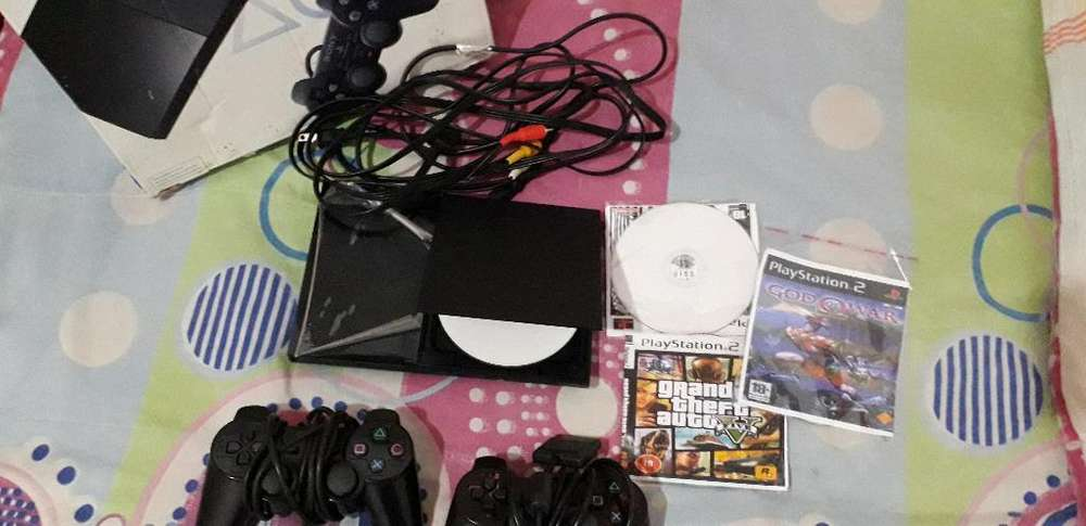 Se Vende Play Station 2,todo Le Funciona