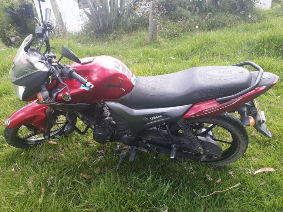 vendo moto yamaha sz-R modelo 2014