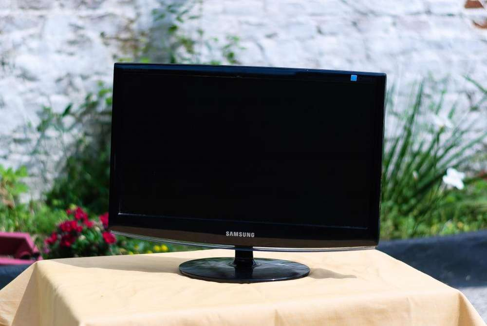 <strong>monitor</strong> Samsung SyncMaster 2033 21 pulgadas 60hz LED HD