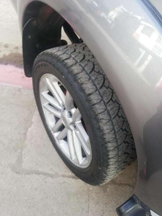 Toyota Hilux 2007 - 200 km