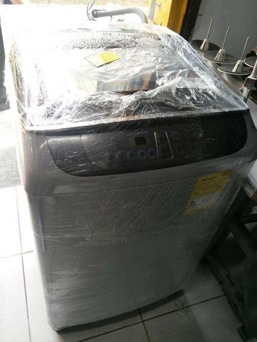 Lavadora Samsun 28 Libras Digital