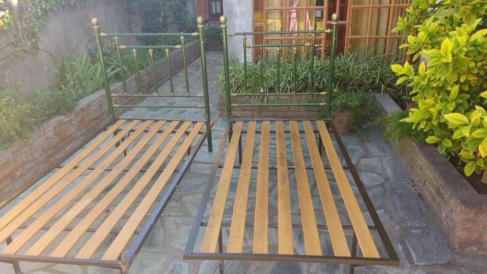Dos <strong>cama</strong>s Parrillas de <strong>cama</strong> 1 1/2 Plaza Elástico Madera Estructura Hierro dos con respaldo bronce