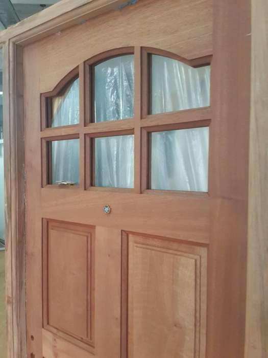 Puerta entrada Madera Tolomeo Puertas y Ventanas
