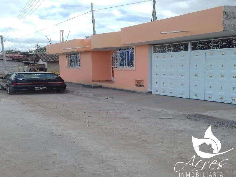 EN VENTA PROPIEDAD CON DOS <strong>casas</strong> PEQUEÑAS EN CAYAMBE