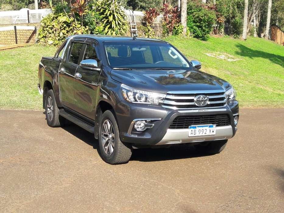 Toyota Hilux 2017 - 15000 km
