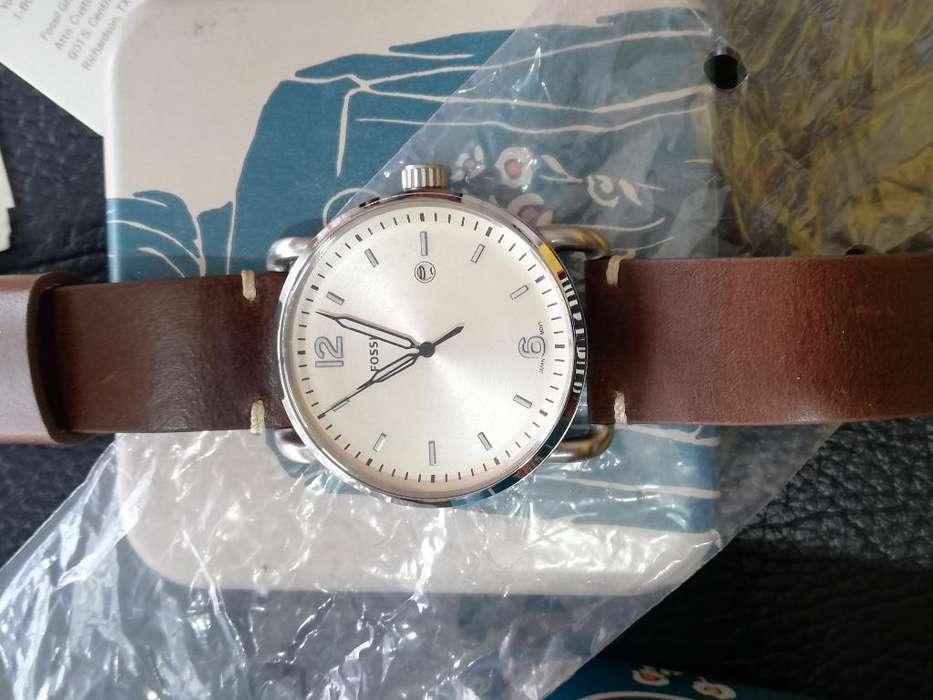 Vendo Reloj Fossil Nuevo de Paquet