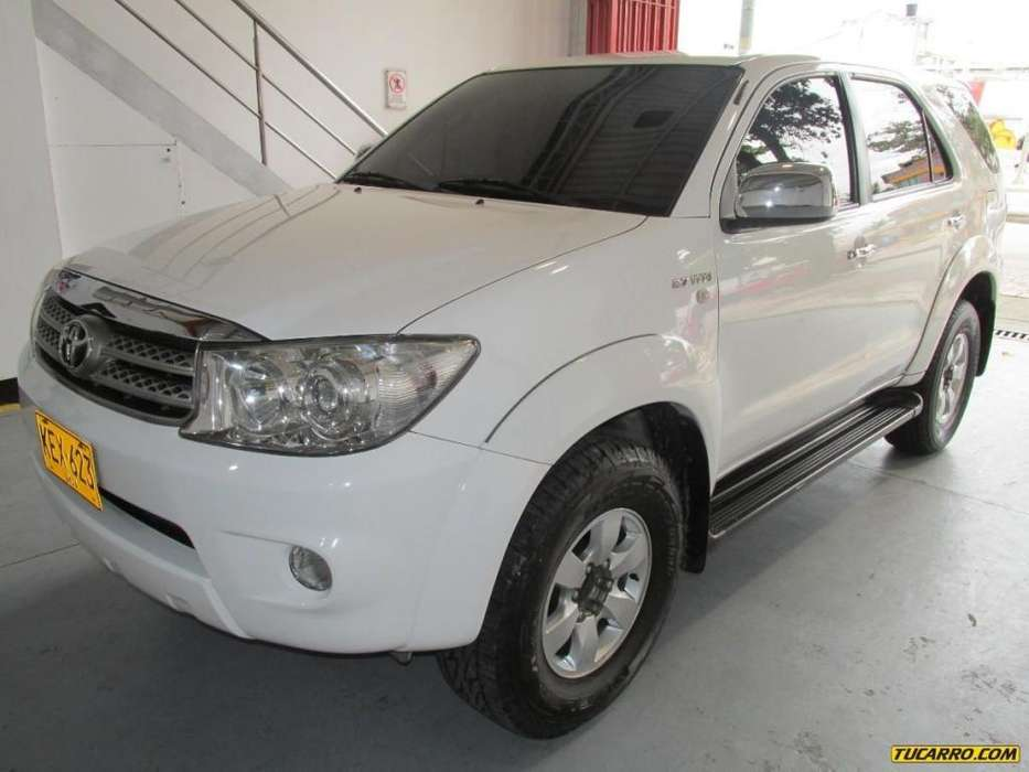 <strong>toyota</strong> Fortuner 2012 - 63500 km