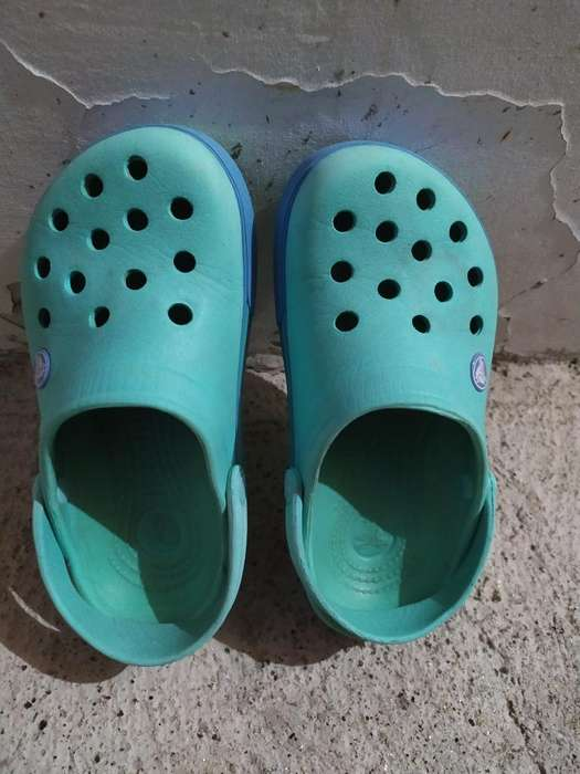 Crocs Niña Talla 31 Perfecto Estado