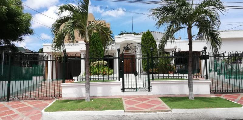 Casa En Venta En Barranquilla El Poblado Cod. VBATL-284