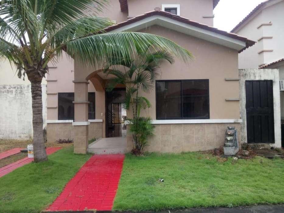 Casa en Alquiler en Urb. Ciudad Celeste, Samborondon, cerca Plaza Batan