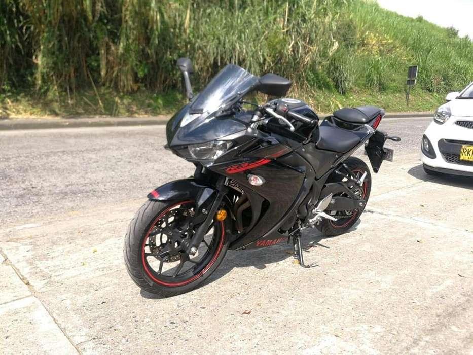 Yamaha R3 320 c.c Modelo 2016 17.500 kms 73E