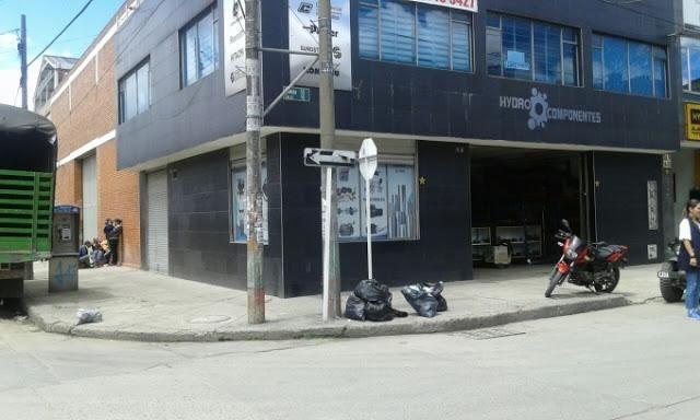 VENTA DE BODEGAS EN PUENTE ARANDA OCCIDENTE  BOGOTA 644-1152