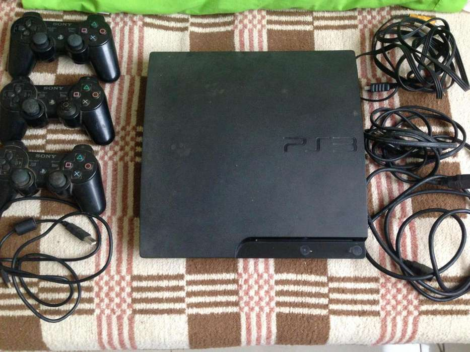 Play Station 3 Slim 120 Gb Con 3 Mandos